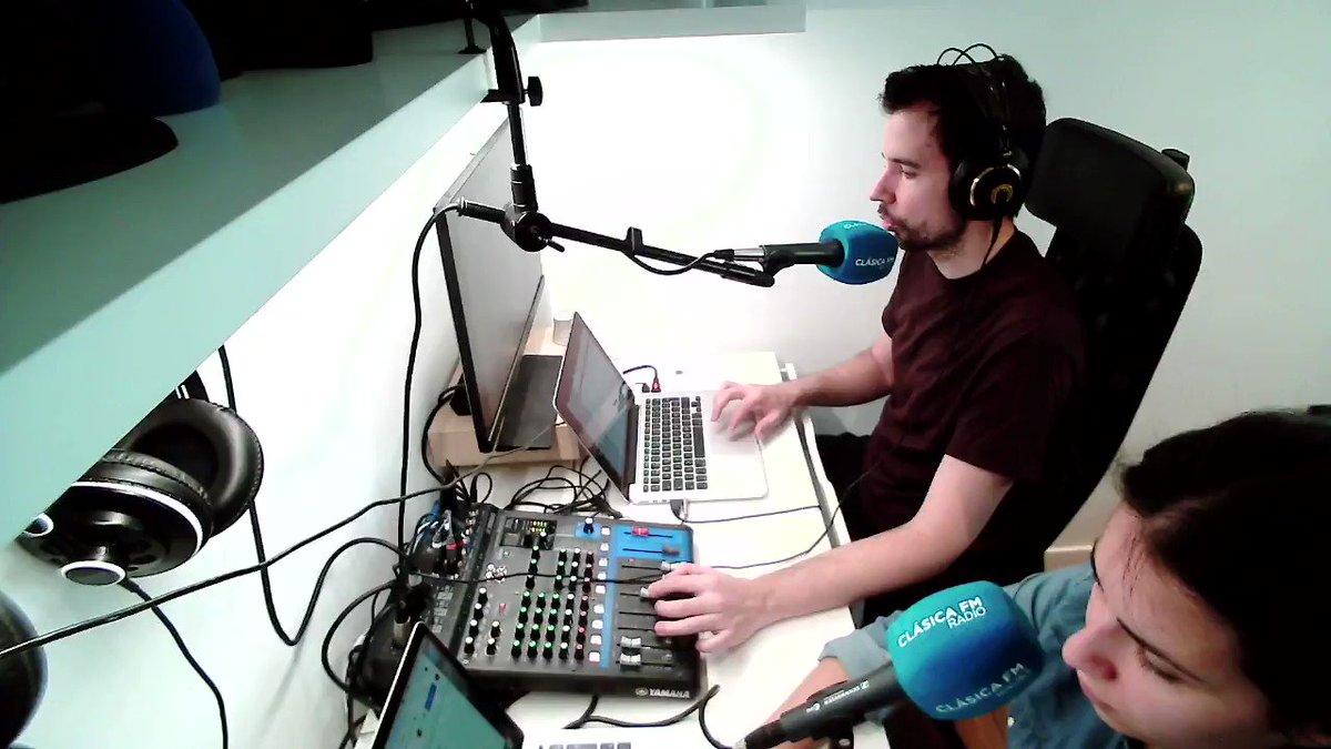 Image for the Tweet beginning: Nuevo podcast, con @pianomora y