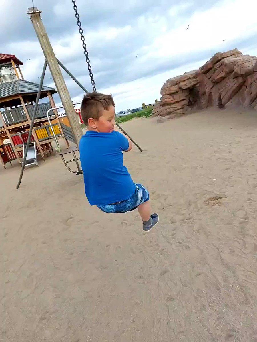 Harry loving the zip line today 💜  #beachlife #beach #familytime #family https://t.co/BWhE4vz3YI