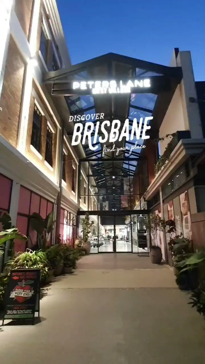 The new Harris Farm Markets at West Village, West End is a supermarket you just have to see to believe!  Well thought out design, creating colourful welcoming spaces for each category, making it a real food lover's paradise🍉🍈🍇💕  #Brisbane 👇👇 https://t.co/NNCefpw4eE https://t.co/PxUFdOlwpe