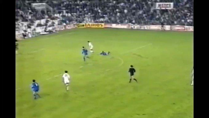 🎥| Los mejores goles de Lubo Penev con el Valencia CF. En YouTube tenéis el video completo. ....