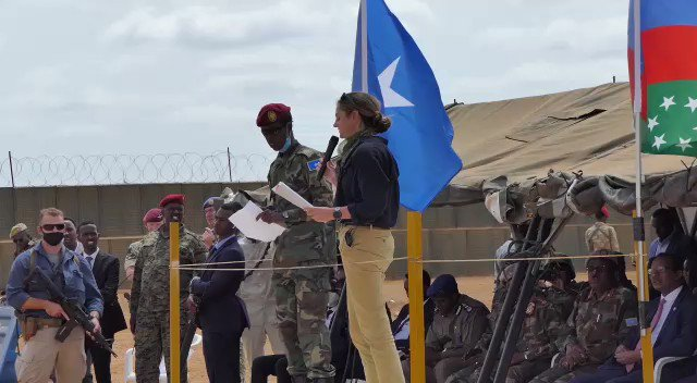 Honoured to have attended the graduation of UK 🇬🇧 trained Somali National Army Battalion in Baidoa. 👇 my attempt at saying that in Somali. https://t.co/IwviP1G7hB