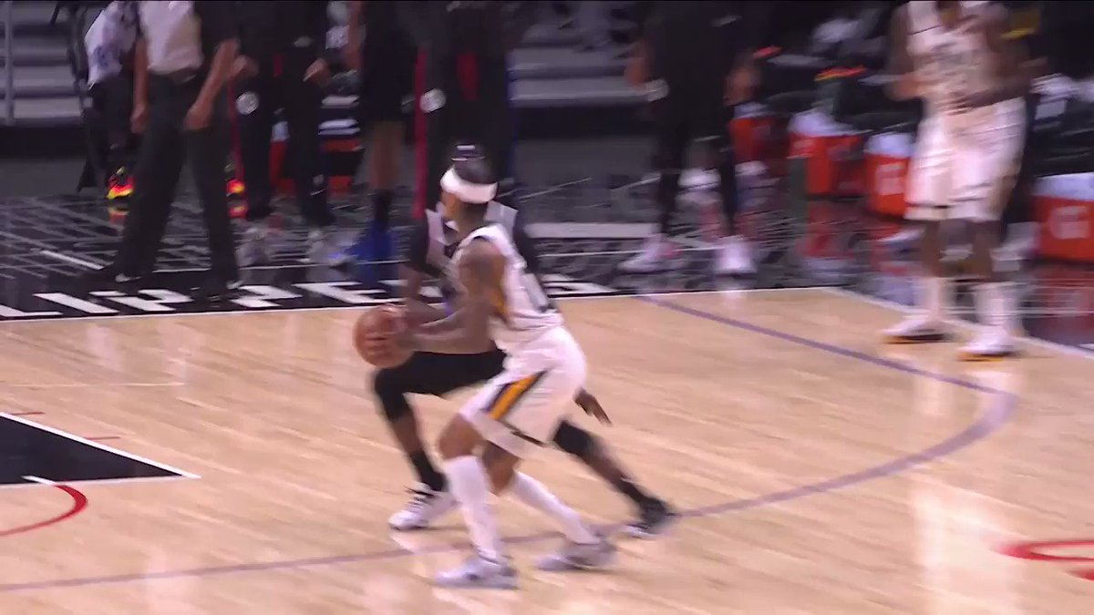 CLARKSON HAS THE JAZZ'S LAST 17!  He's up to 21 PTS (all in 2Q) and 28.8 FPTS 🔥 https://t.co/zdHGslkz9r