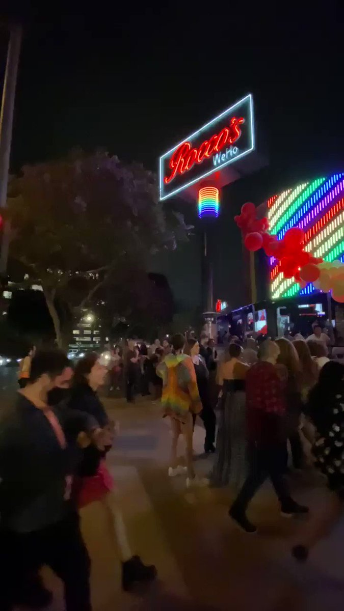 Image for the Tweet beginning: Weho is popping tonight! #Pride #weho
