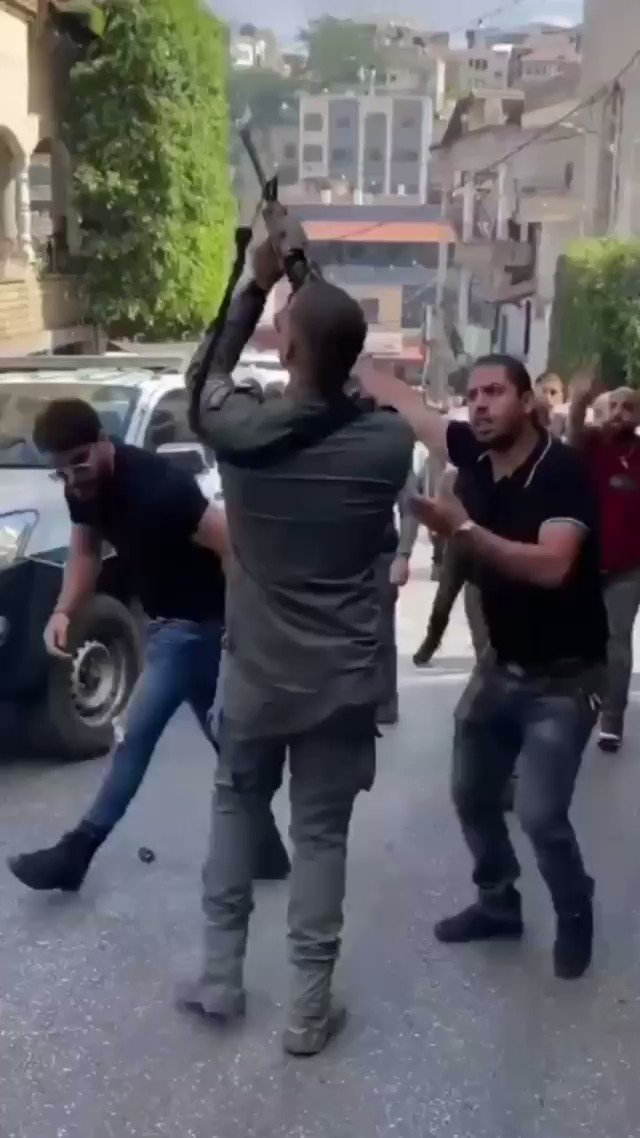 Israeli police forced an entry into a wedding party in the town of Deir Al Asad to terrorise guests. As a result a young man has been seriously injured. [r] https://t.co/03vsMckShS