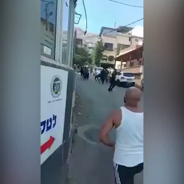 The seriously wounded is being transported to the hospital. https://t.co/hRWmjmdy6O