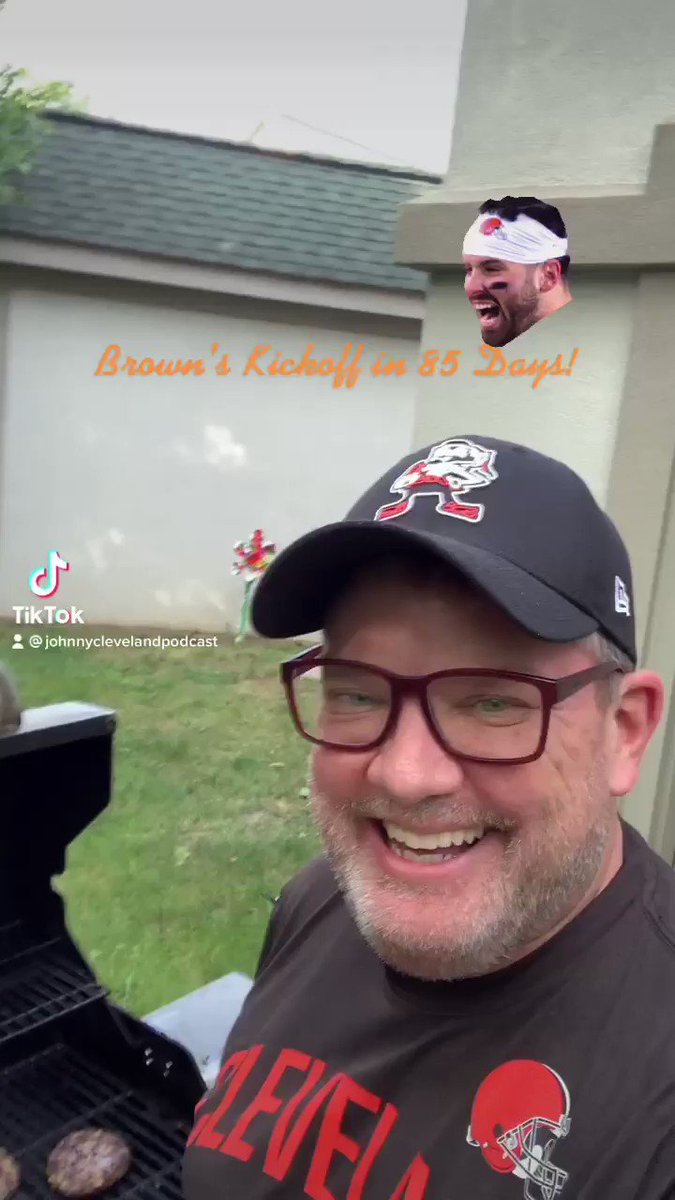 85 Days till Browns Kickoff! Stop by and enjoy a burger too! Ha! @ArmchairQBDan @CLEsportsTalk @dawgpounddaily @PaulBrown_UK @ShakeBackShow https://t.co/n7RktlwBwu