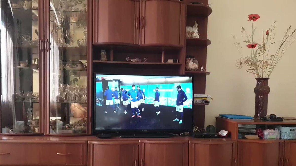 Quanto è bello godersi #ITA #WAL #italiaGalles senza le telecronache #Rai o #Sky https://t.co/MJhdmvElLh