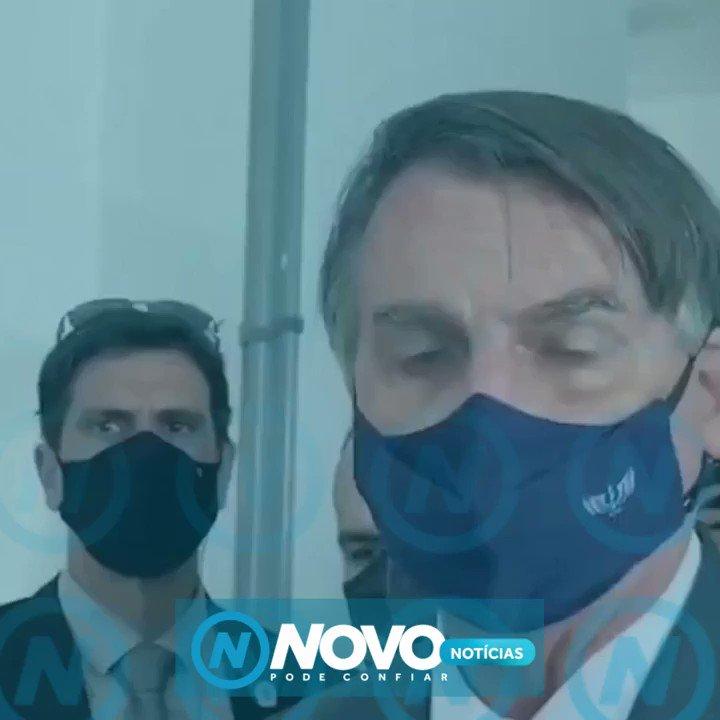 """Irritado com jornalistas, o presidente Jair Bolsonaro  reclama de tv que elogiou manifestações do fim de semana, ataca repórter de afiliada da tv Globo e manda o próprio staff """"calar a boca"""".  #NovoNoticias #NovoJornalismo #PodeConfiar https://t.co/Y6ncDeG9Rt"""