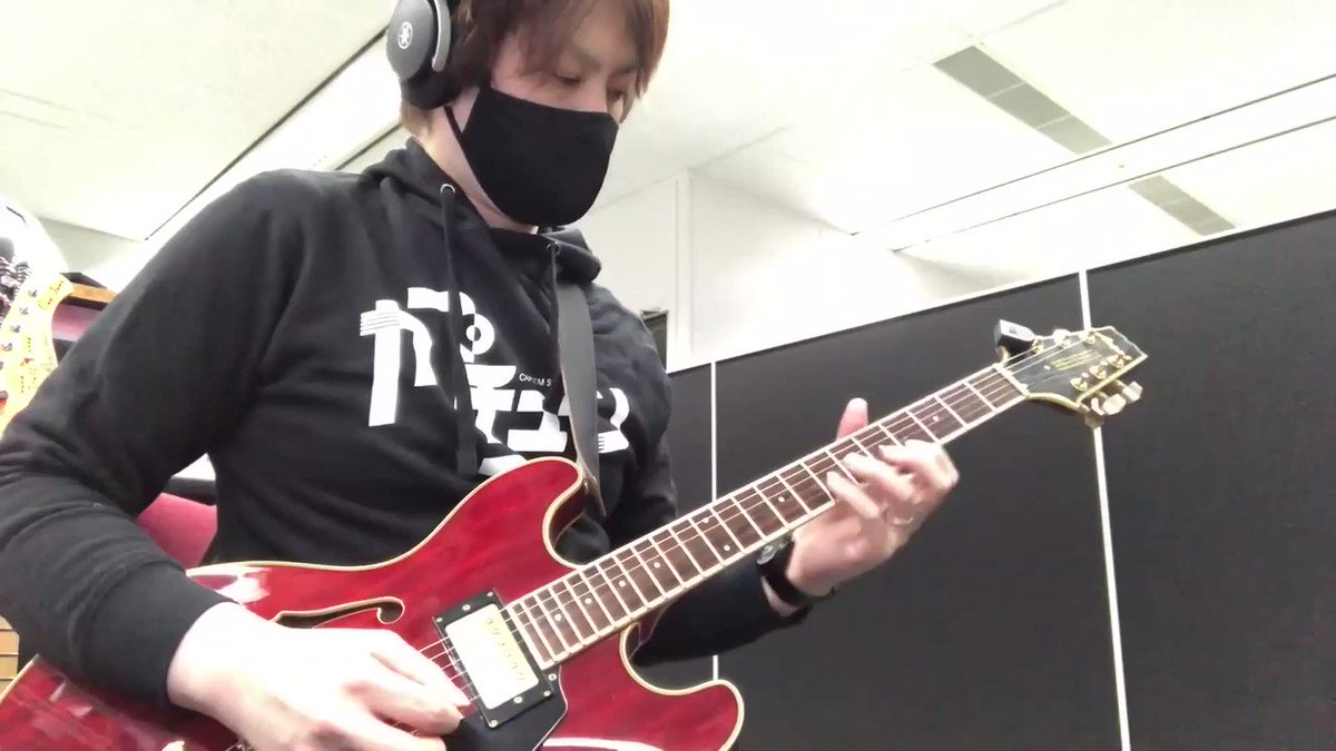 @CAPCOM_CAPJAMS lead guitarist Taisuke Fujisawa gives us a riff from their Rose arrangement! He says he was looking to bring a smooth jazz vibe to his section of the song. 🎸 https://t.co/EOGjQGFFOR