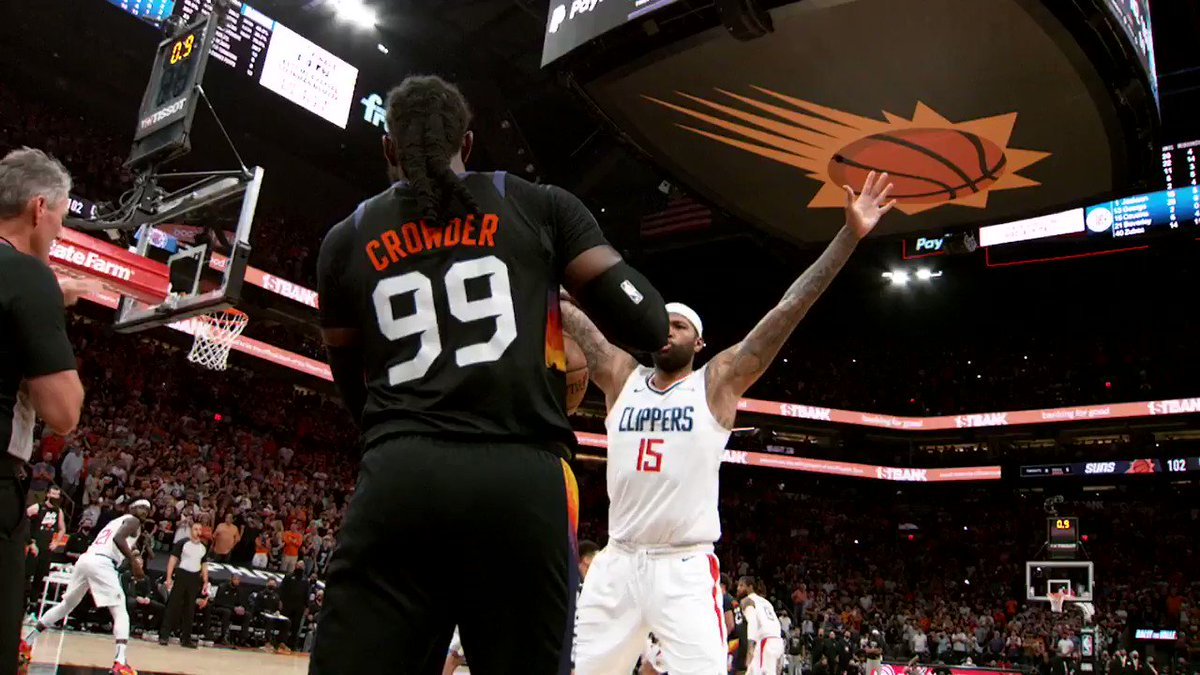 Jae Crowder inbounds it to Deandre Ayton above the rim for the @Suns win in #PhantomCam!   #ThatsGame #NBAPlayoffs https://t.co/WVNc9xnvio