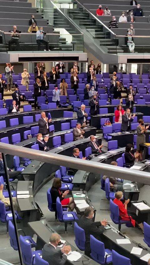 Image for the Tweet beginning: Lieber @solms, wir und das