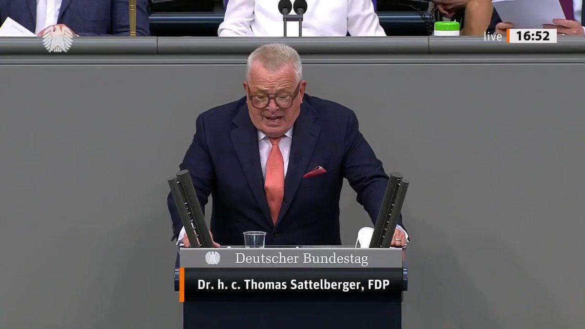 """Image for the Tweet beginning: """"Wenn wir Spitzenforscherinnen und -forscher"""