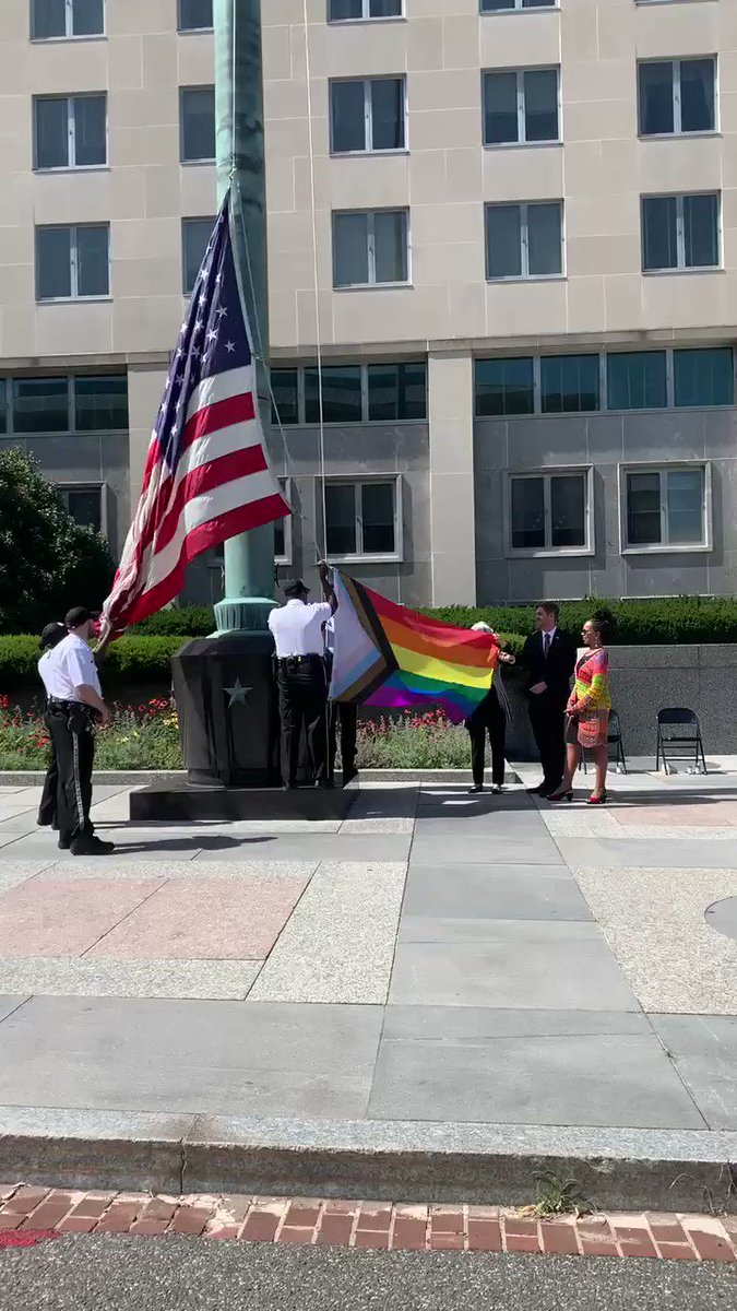 @CapehartJ did we make it into your #PrideSpecial? @glifaa @StateDept @DeputySecState @AmbGinaAW https://t.co/wTIzBkGBSX