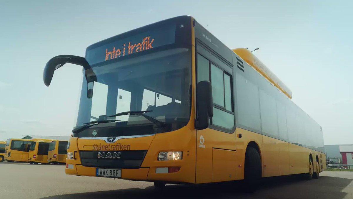Hur funkar det egentligen? 🧐   Hör Karin berätta om hur tidtabeller fungerar och hur du hjälper din buss att komma i tid genom att blippa din biljett.   Tillsammans ger vi Skåne skjuts ❤️ https://t.co/CHImrMmPMR