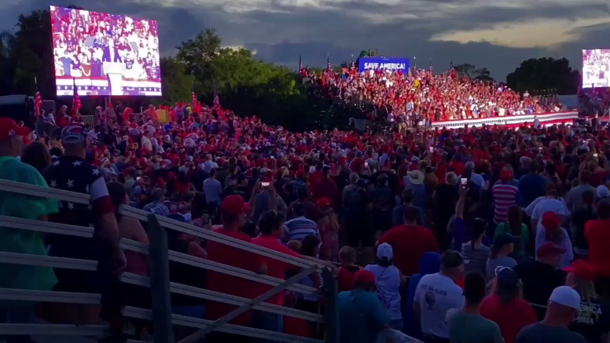 30 People Show Up To See Biden, While 45,000 Head To Trump Rally Oi37SW0R37CyAbcQ