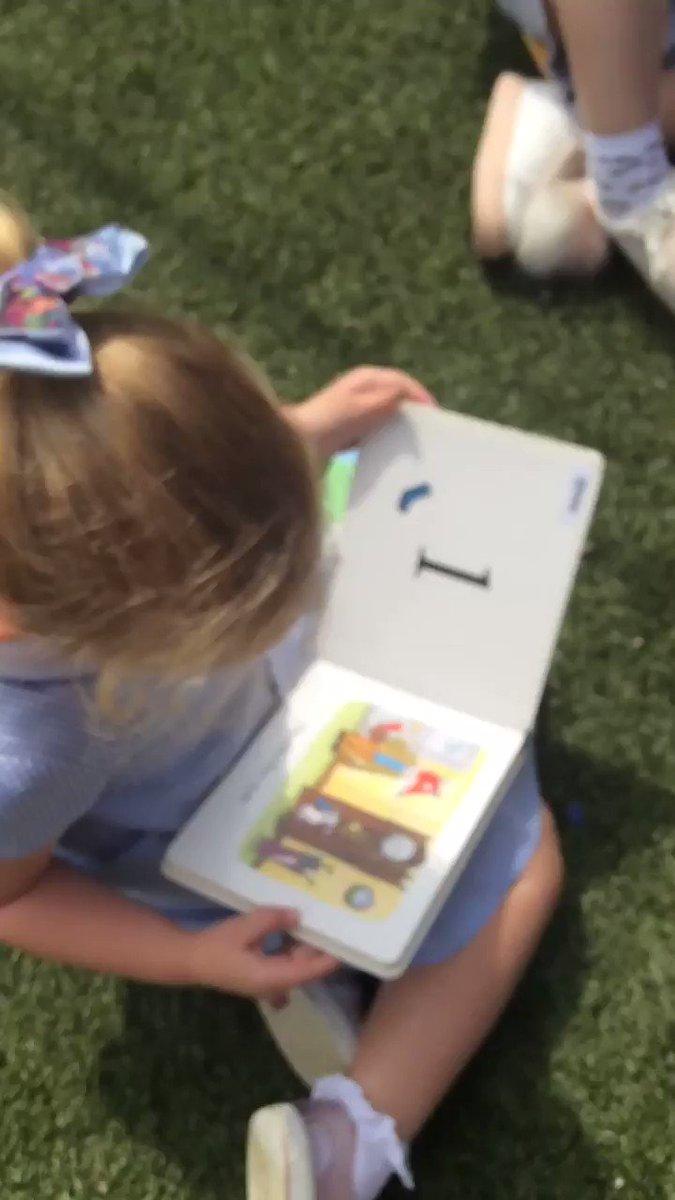 Image for the Tweet beginning: Super reading skills! #GSPSREADERS 👀📚#GSPSOUTDOORLEARNING