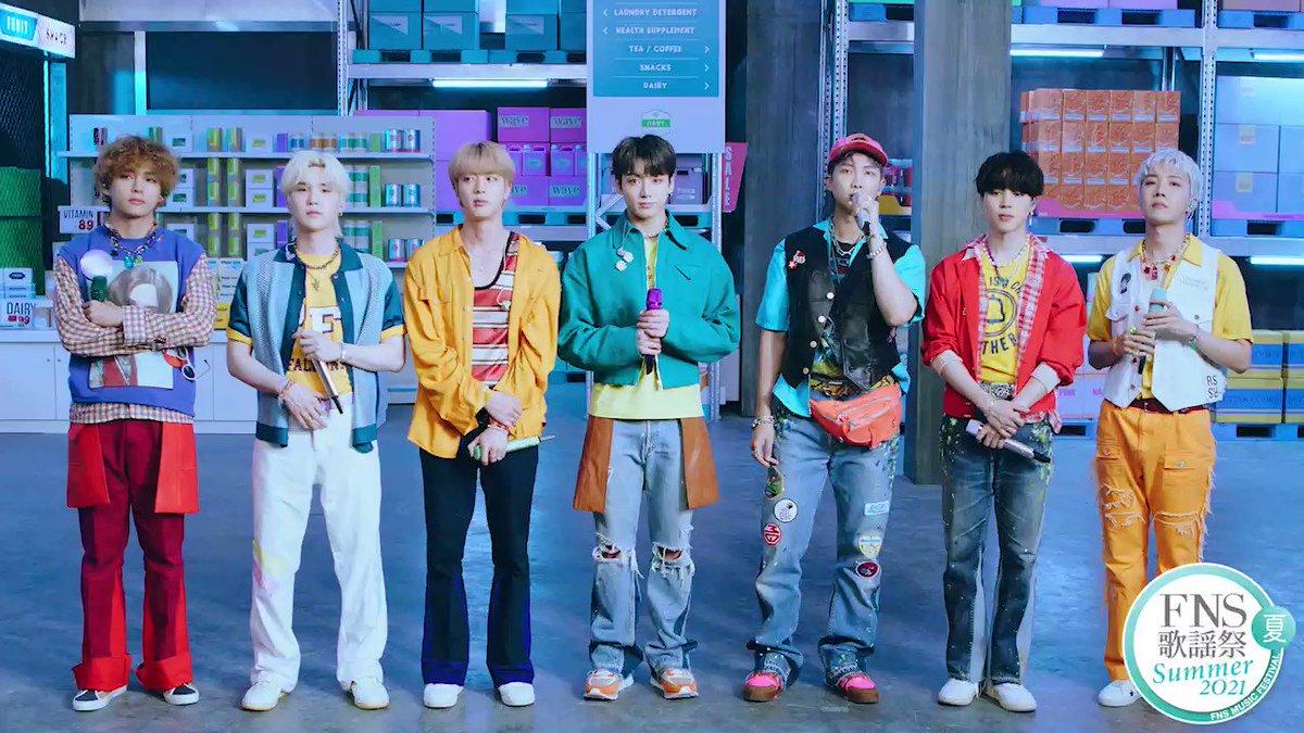 FNS歌謡祭 夏  放送中   まもなく #BTS のみなさんが登場!  大ヒット中の #Butter  を 韓国から届けてくれます✈️  の前に急いで〜〜〜   可愛い衣装&セット  隅々までよ〜く見てくださいね♫  #FNSでBTS  公式ハッシュタグ #FNS歌謡祭 で感想をつぶやいてください⭐️