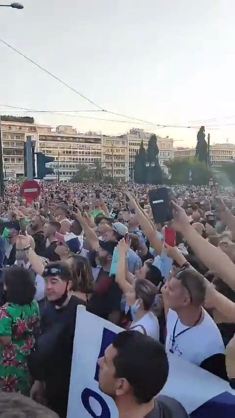 Mass Protests in Greece in Response to Unvaccinated Being Banned From Social Life CoYAUqPsowOpkHYD