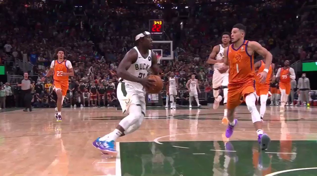 So, uh, should this have been Devin Booker's sixth foul? https://t.co/Xss7ziyEgZ