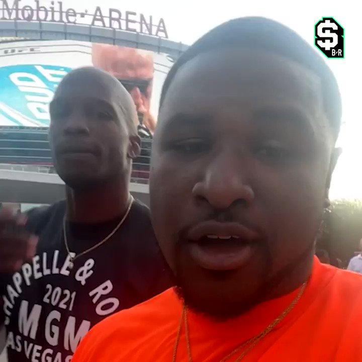 UFC 264 was ELECTRIC 🔥  @ochocinco x @Greggg_Ivory https://t.co/TqAhvhTNIk