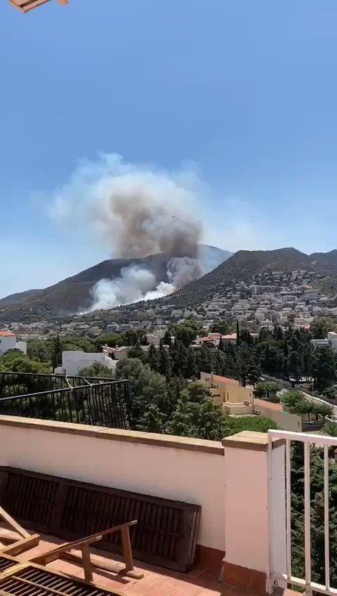 Image for the Tweet beginning: Incendi a Llançà