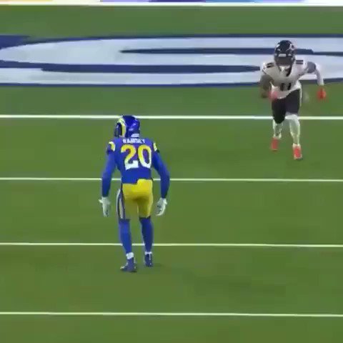 It's Darnell Mooney szn in Chicago now  Here's a reminder of what he can do 💨 👀   https://t.co/v4MIIfzvzd