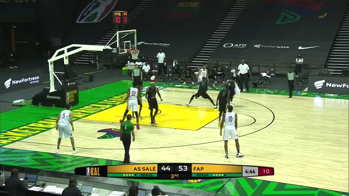 #ThrowbackTuesday with this 3⃣-pointer by Yassine El Mahsini for #AS_Salé https://t.co/weLnEKBKiS