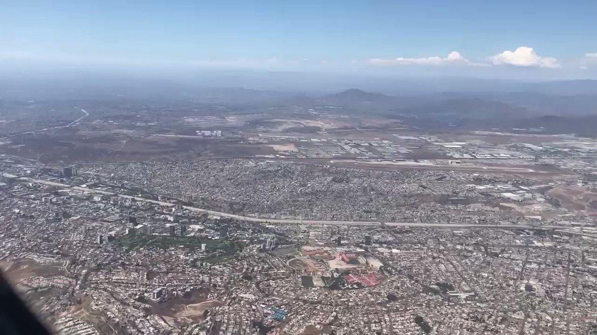 #Tijuana crece y crece. Aunque oficialmente no llega a los 2 millones de habitantes, el #Inegi asegura que este año Tijuana es el municipio más poblado de México. #fronteraNorte https://t.co/OUE2eu0F0Y