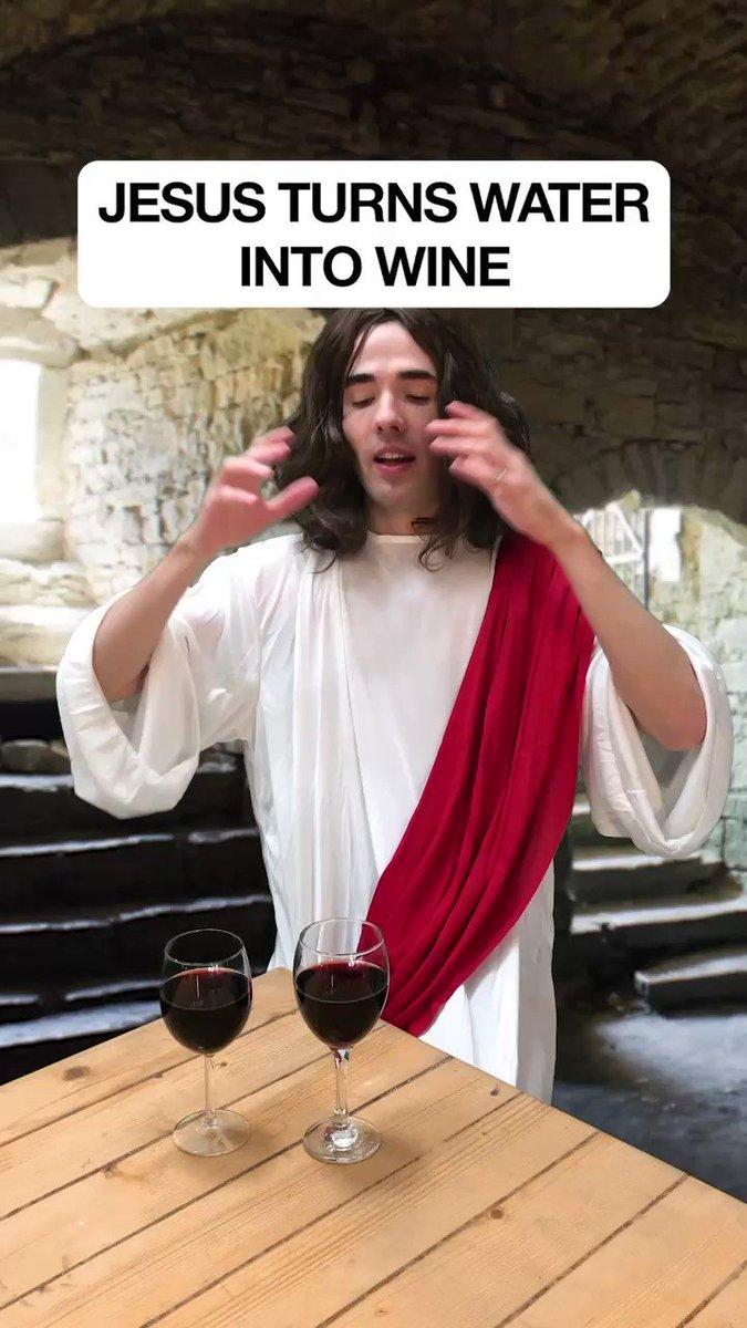 Jesus turns water into wine https://t.co/NjKOg4qOdN