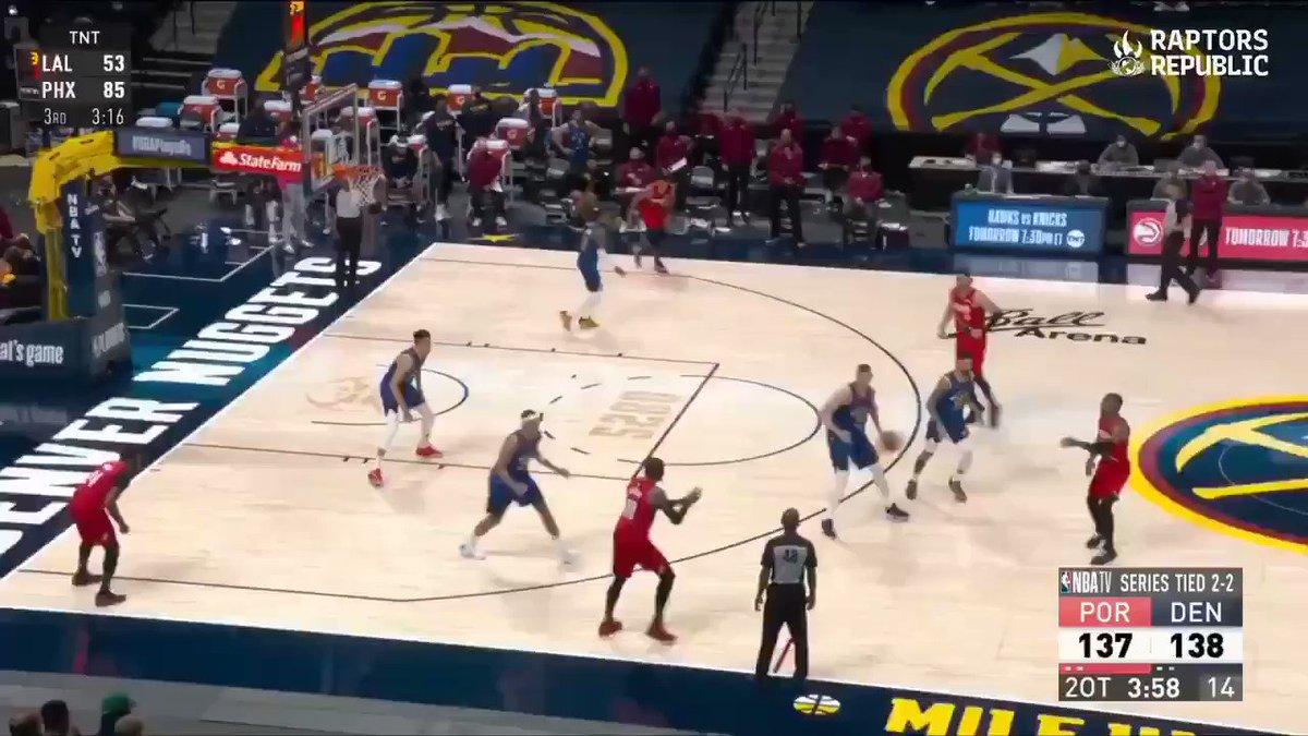 Na minha opinião, esse foi um dos melhores jogos dos playoffs desse ano.   Lillard quebrou tudo!!! 🔥⌚ #NBAPlayoffs2021 https://t.co/6lU1xjTNfZ