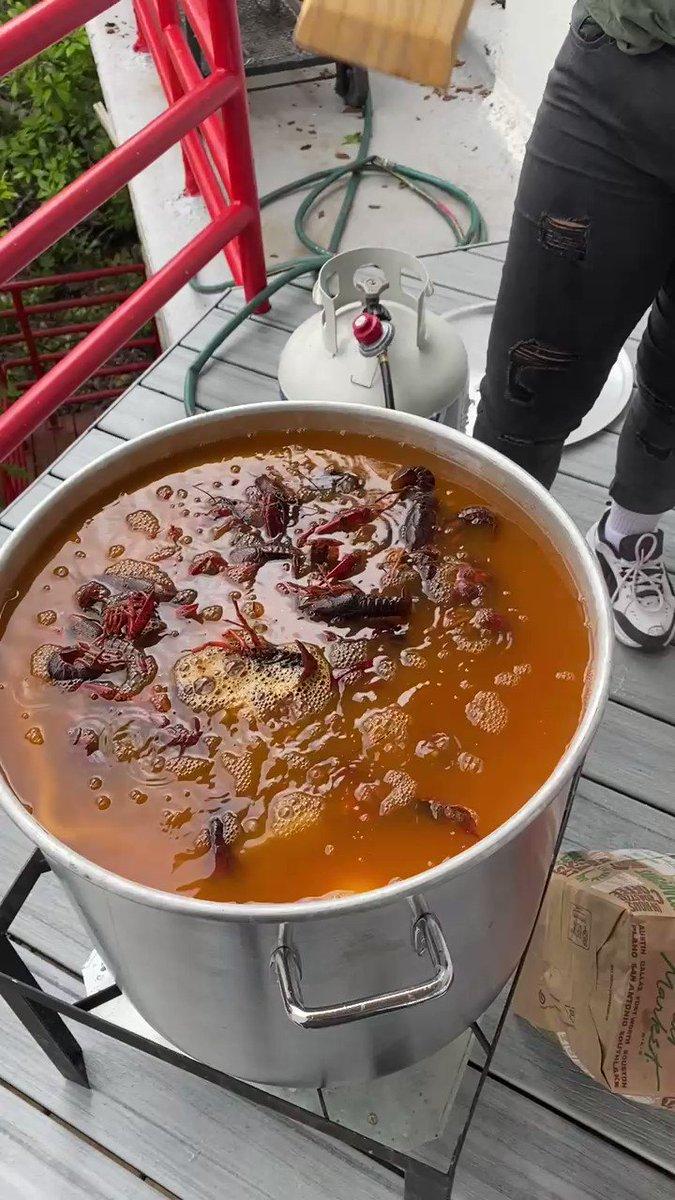 Missing crawfish season already 😩 https://t.co/Z7ATXWSd42