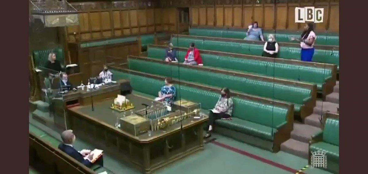 Une députée travailliste expulsée de la Chambre des Communes pour avoir accusé Johnson de mentir  Il ne fait que ça !  Bravo @DawnButlerBrent https://t.co/z4wNrW0zaM