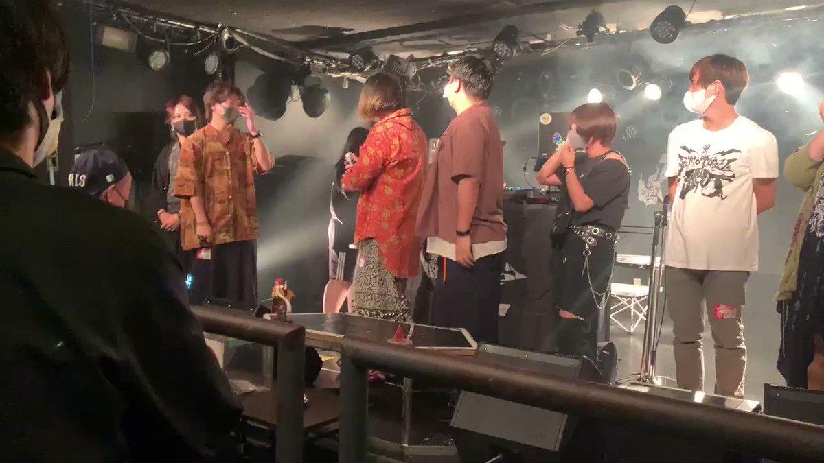 フロアの誰よりもステージに立つオレが1番ブチ上がる、そんなステージにしてもらえたのは他でもない鯉ちゃんたち #レイディアント のメンバーと、rockでdick な #こーくすくりゅー のyosukeさん、フロアにいるみなさんのおかげなのです🙆♀️  でも1番ブチ上がるのはタマス🦛💨