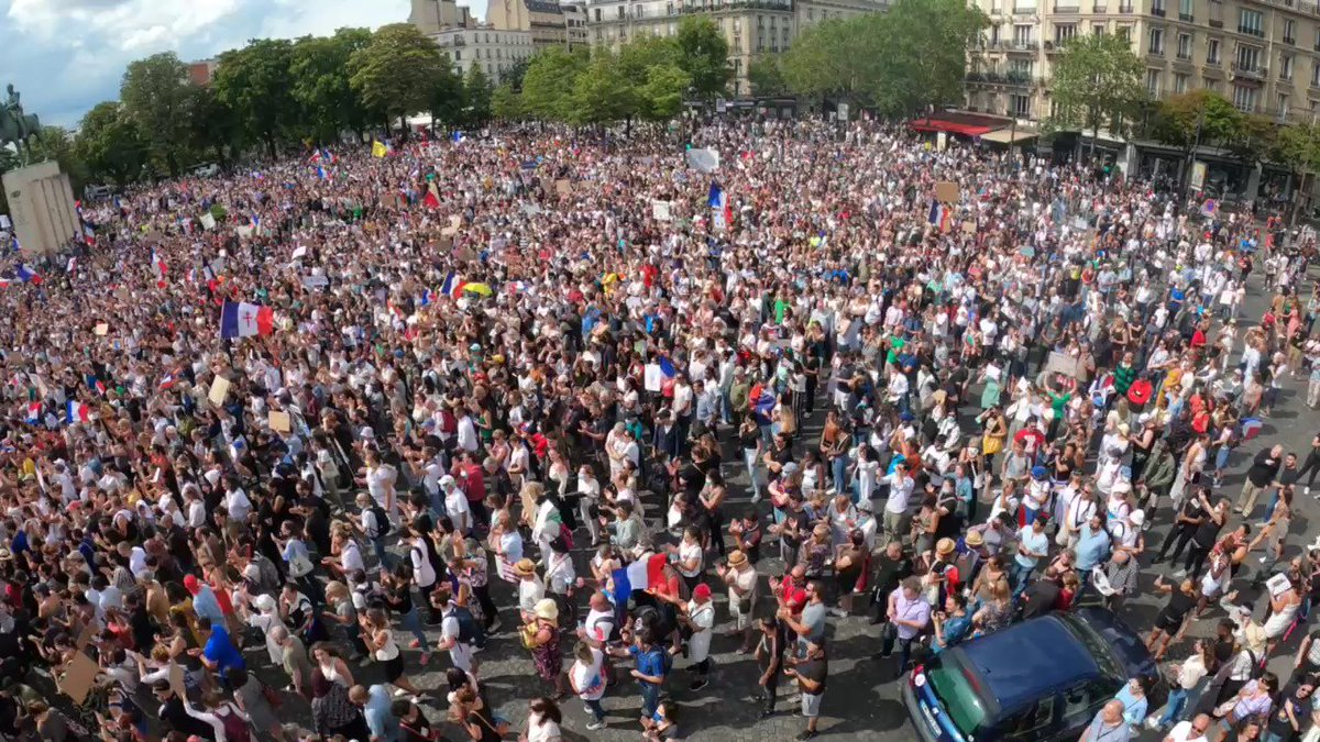 Image for the Tweet beginning: #Manif24juillet in Paris today.