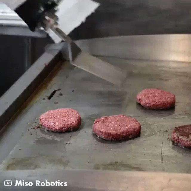 Image for the Tweet beginning: This #Robot can flip patties