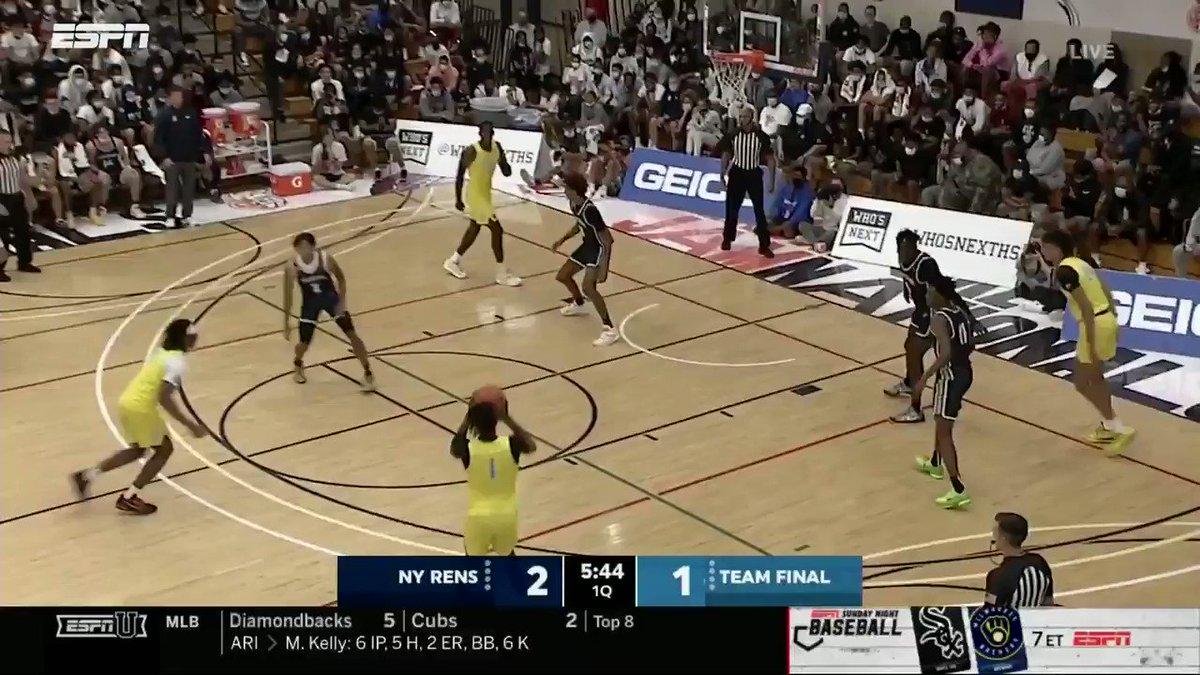 Semifinal #1 at the #PeachJam tips off on ESPNU!  UConn commit Corey Floyd cleaning up @TeamFinalEYBL's first basket on the glass   @CoreyFloydJr @NikeEYB https://t.co/zH99lQOLr1