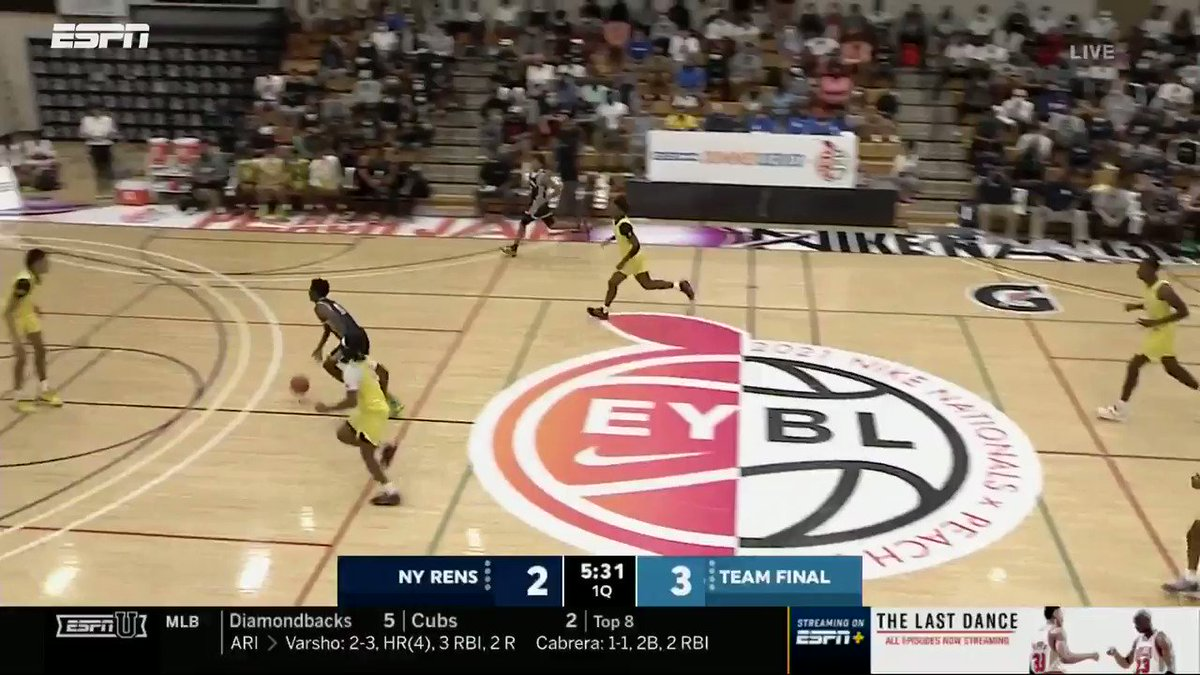 Halil Barre has HM upside! The 6'9 PF rocking the rim for @NYRhoops early in the first quarter.  @MVABasketball @NikeEYB https://t.co/9d5S4pceb7