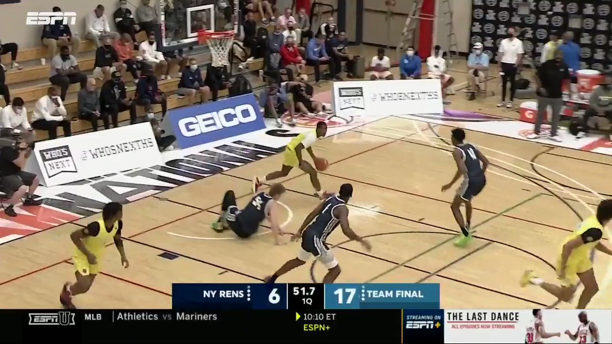 .@OtegaOweh puts it on the DECK! The 4 ⭐️ 6'4 SG has been all systems go at #PeachJam @NikeEYB @PaulBiancardi @TeamFinalEYBL https://t.co/bdTUjkoAXr