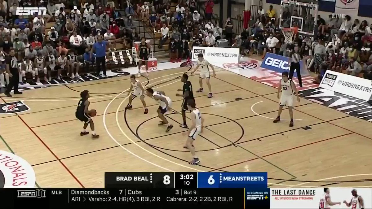 Ty Rodgers leading @MeanstreetsEYB in the battle of the Midwest 😤  10 pts, 7 reb, 3 stls & 1 blk in the first half on ESPNU   @Ty_rodgers20 @PaulBiancardi #PeachJam https://t.co/dvVsvkQMG2