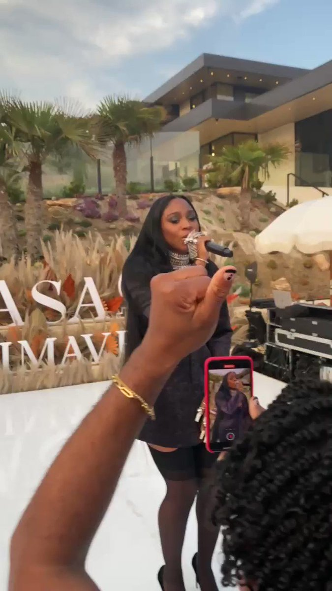 Normani performing Wild Side at #DonJulioPrimavera  https://t.co/3ETRzLGh1x
