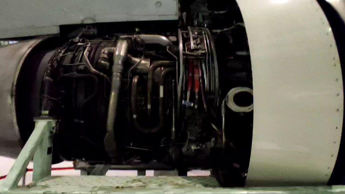 ジェットエンジンにプロジェクションマッピングを投影、エンジンの動きが分かる!