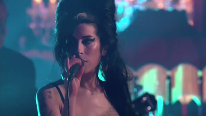 Happy birthday Amy Winehouse!! Your music got me through so much shit this year. You are everything.