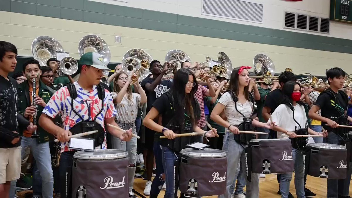 Image for the Tweet beginning: There's school spirit and then