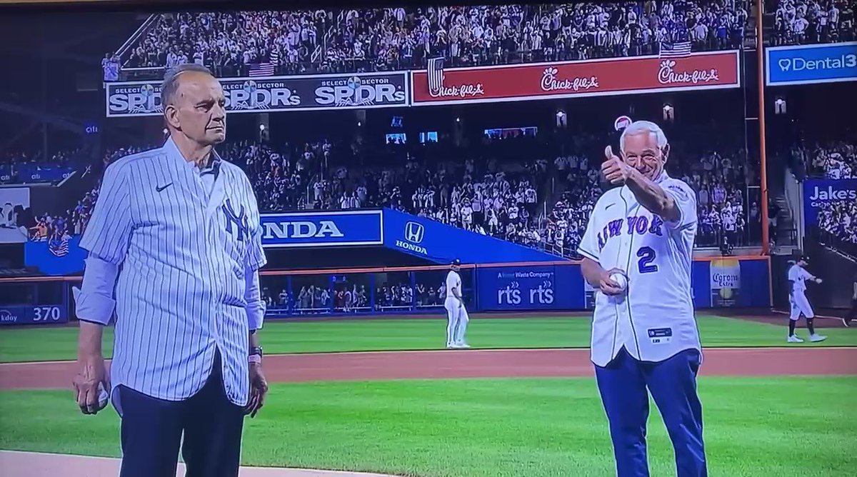 Image for the Tweet beginning: Two great First Pitches by