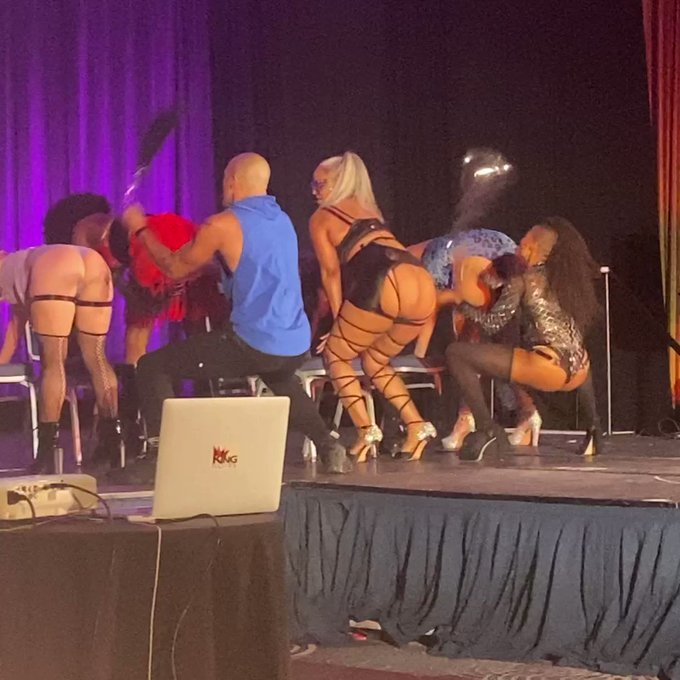 Thank you @sexdownsouthatl 4 bringing the  #TheRoyalFetishExperience TY 4 having the most fun on stage