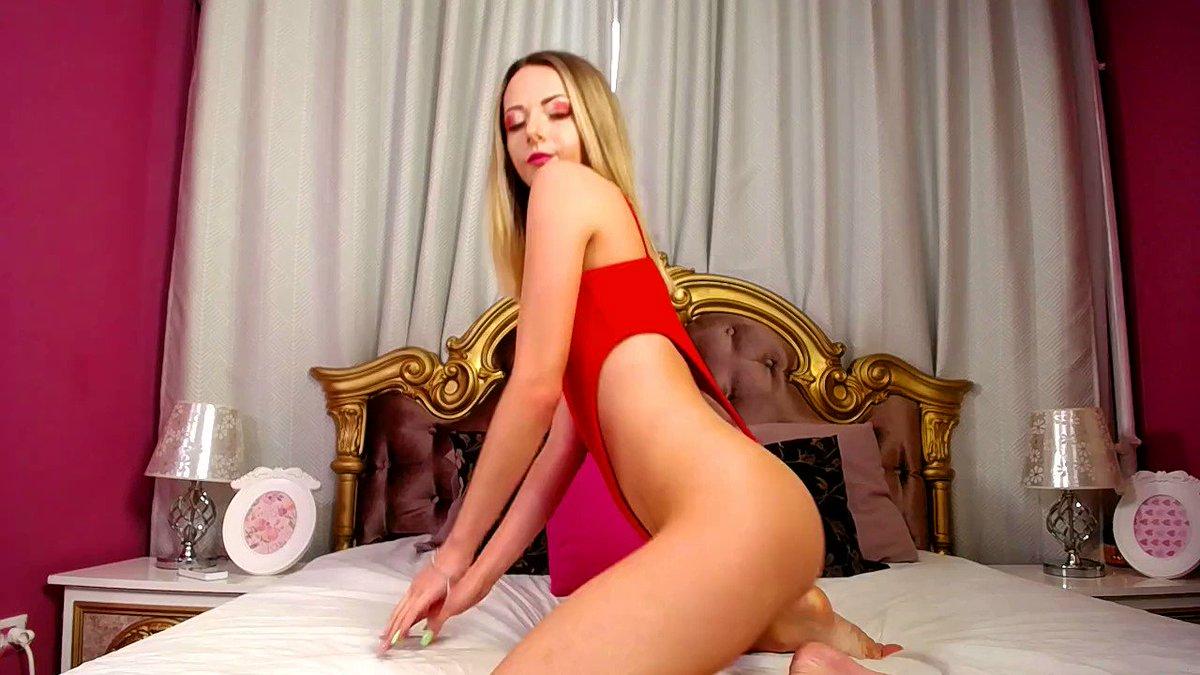 Model - AngelMarry dildosucking