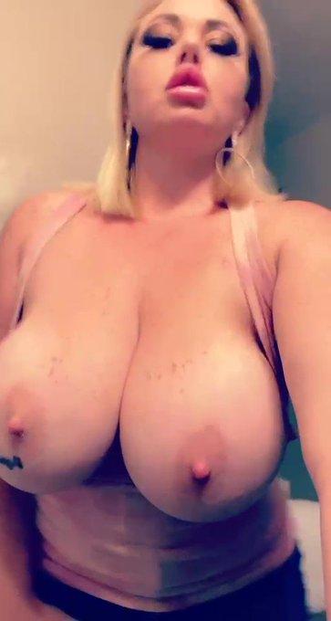 I love having big soft titties https://t.co/qbBhhx7d3d