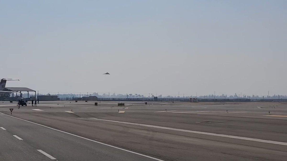 おお、お米の国の空軍さんはもうF-117運用してること隠さなくなったのね(^^; 一度退役した機体の現役復帰ってなんかワクワクするね。