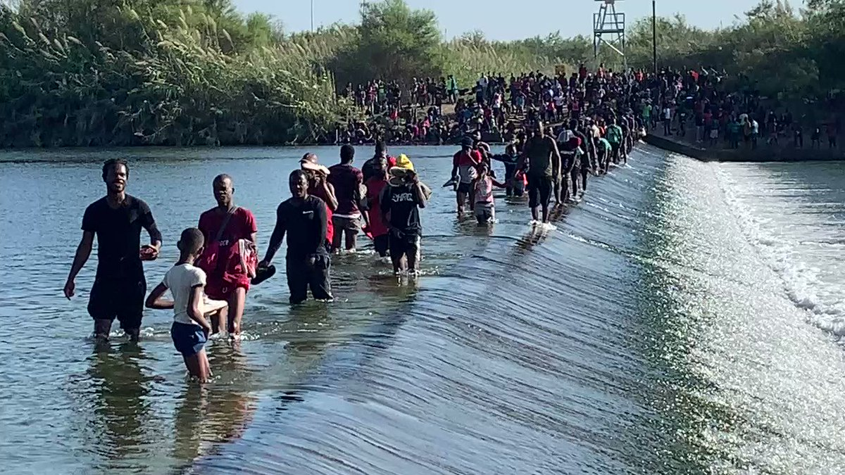 """""""Crazy""""… New Drone Footage of Thousands of Illegals at America's Border Mu1lF8kyGHXrFM3s"""