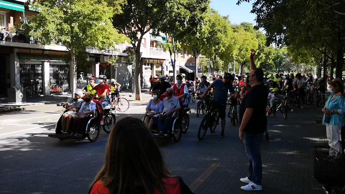 Prop de 150 ciclistes participen a la Bicicletada Popular organitzada amb motiu de la Setmana de la Mobilitat Sostenible i Segura, que es celebra a #Santcugatdel 16 al 22 de setembre  @JoseGallardoSTQ @SolerPere @fraduchaltet  ℹ️https://t.co/ApgTmO1HZ1